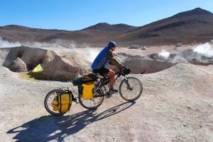 Mit Extrawheel Anhänger in den Anden.